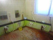 シャワー4つ