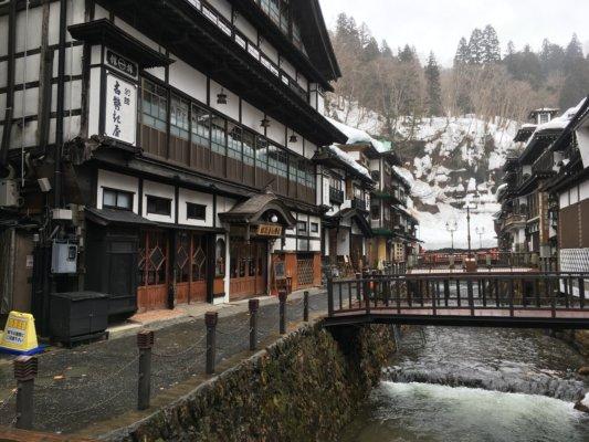 銀山温泉街の景色