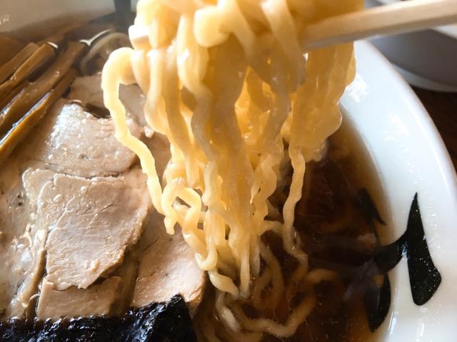 中華そばこってりの麺