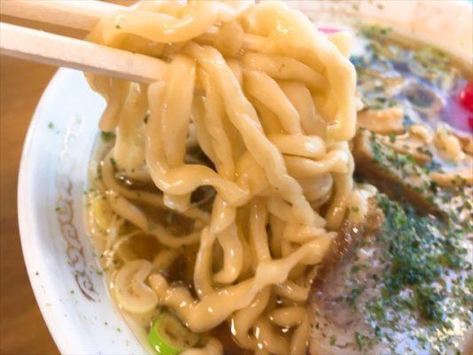 赤湯ラーメンの麺