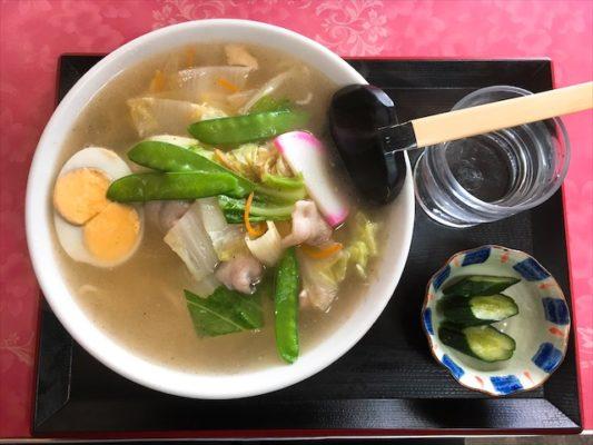 五目タンメン 2つの黄身と野菜たっぷりラーメン