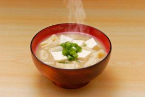 朝に味噌汁を食べるとぐっすり!おやすみそ汁